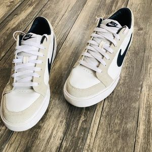 Nike   White Tan Sneakers Size 9.5